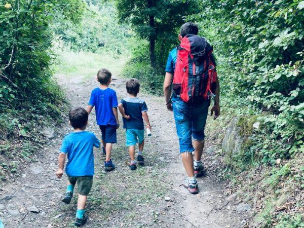 Cosa portare in montagna per bambini