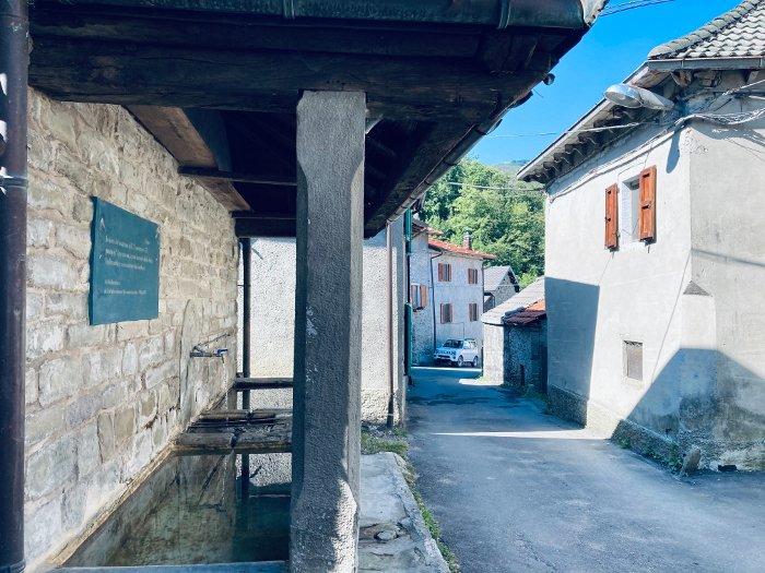 Il borgo di Casarola nell'Appennino Parmense